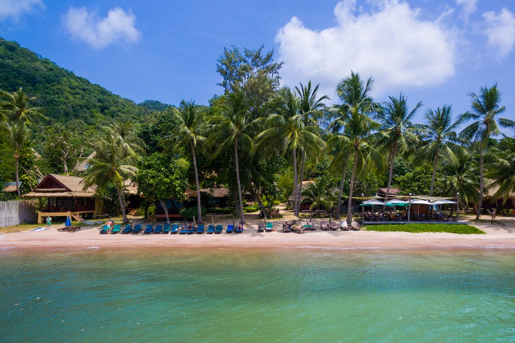 Koh tao bowthong resort koh tao childcare for Hotels koh tao